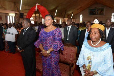 La Première Dame, Mme Dominique Ouattara a offert 5 millions de F CFA pour la r