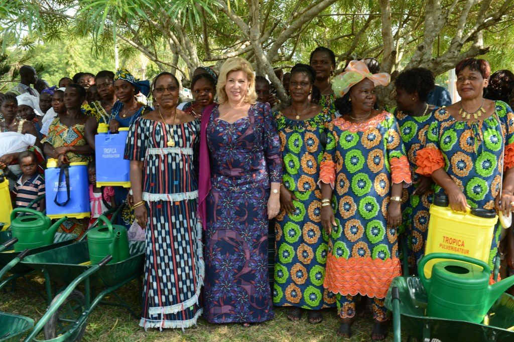 First Lady demonstrates her dedication to the populations of Abli