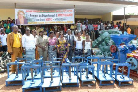 Mme Dominique Ouattara apporte son aide aux femmes