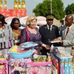 Mme Dominique Ouattara a entiièrement équipé l'école maternelle et la nouvelle cantine du groupe scolaire municipal de Toumodi