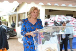 dominique-ouattara-presidente-de-children-of-africa-a-invite-les-enfants-au-courage-et-au-travail.jpg