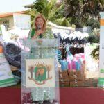 La Première Dame, Mme Dominique Ouattara a fait des dons aux populations de Grand-Bassam