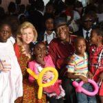 Madame Dominique Ouattara célèbre la magie de Noël avec 3.000 enfants