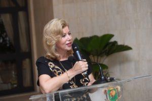 dominique-ouattara-nouvel-an-2015-femmes-ministres.jpg