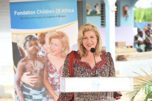 madame-dominique-ouattara-presidente-fondatrice-de-children-of-africa-a-rassure-les-enfants-de-son-soutien.jpg