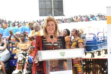 discours-remise-cheque-fafci-yopougon.jpg