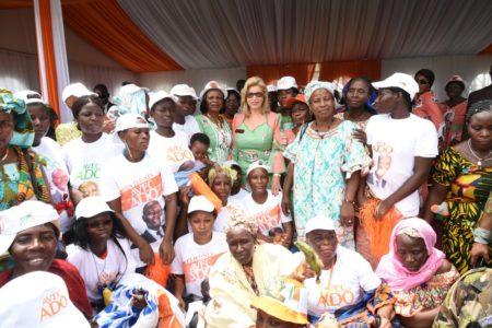 dominique-ouattara-aux-femmes-du-vivrier-de-cote-d-ivoire-43.jpg