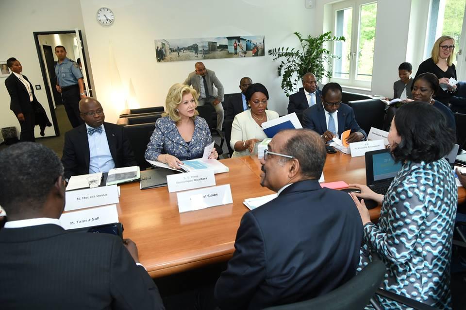 dominique-ouattara-lutte-contre-le-vih-sida.jpg
