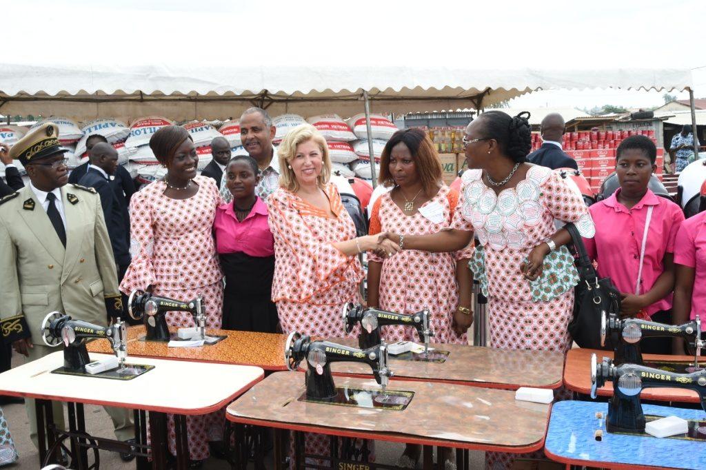dominique-ouattara-journee-internationale-de-la-femme-a-adzope-5.jpg
