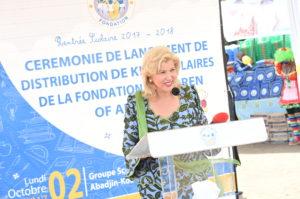 dominique-ouattara-ceremonie-officielle-distribution-des-kits-scolaires-2017.jpg