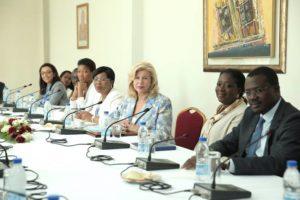 dominique-ouattara-echange-avec-des-jeunes-leaders-africains-et-francais-17.jpg