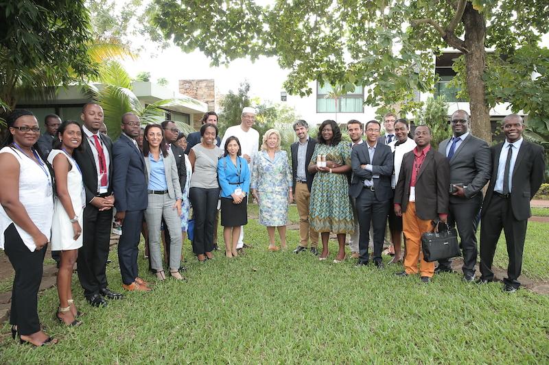 dominique-ouattara-echange-avec-des-jeunes-leaders-africains-et-francais-3.jpg
