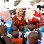 dominique-ouattara-gate-15.000-enfants-arbre-de-noel-de-children-of-africa-2.jpg